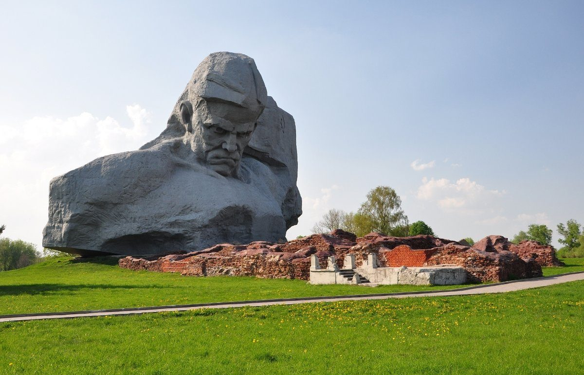 Фото мемориала Брестской крепости